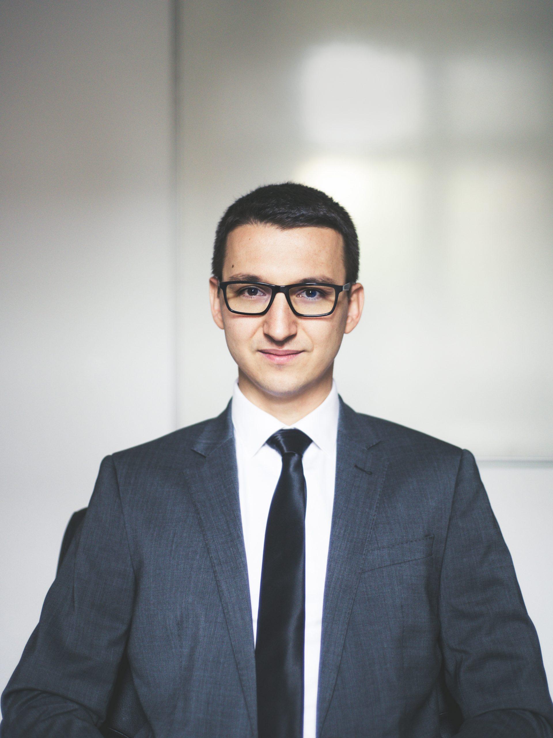 Адв. Георги Георгиев